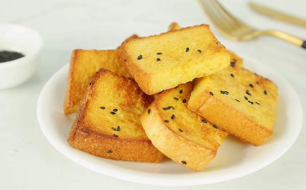 芝麻香烤吐司条,快手简单,香甜酥脆,好吃到停不下来!的做法