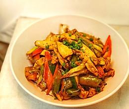 轻松学广州猪杂美味:椒丝爆炒猪生肠的做法