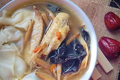 鸡汤菜肉馄饨【附红枣枸杞鸡汤做法】