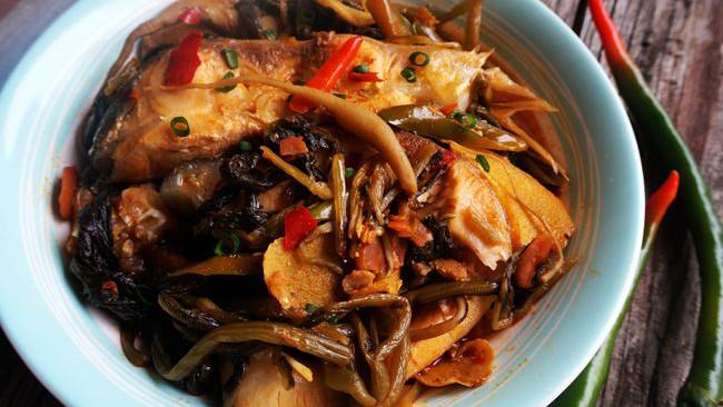 家乡的味道  美味家常菜【萝卜苗酸菜鱼】的做法