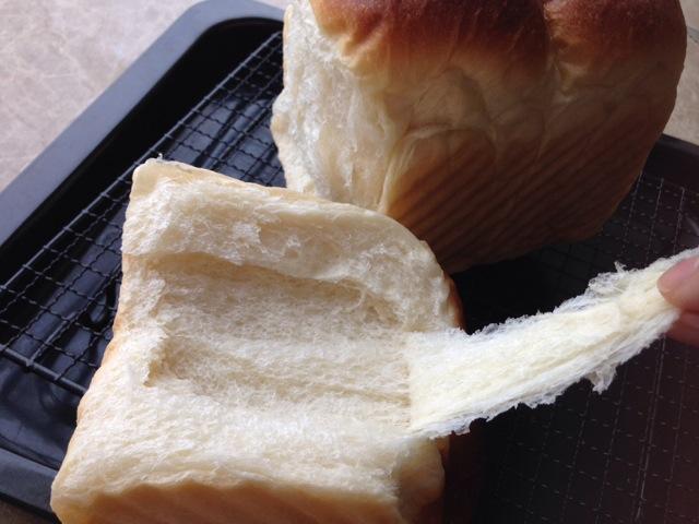 中种吐司面包的做法_冷藏中种北海道吐司~面包机揉面的做法_菜谱_豆果美食