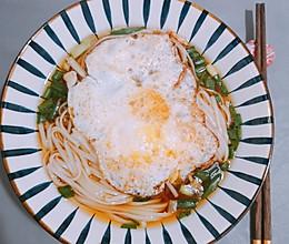 #换着花样吃早餐#超简易红汤面的做法