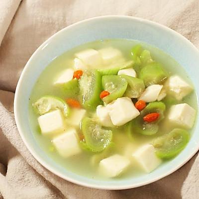 迷迭香:丝瓜豆腐枸杞汤