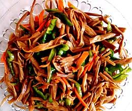 #夏日素食# 凉拌干黄花菜的做法