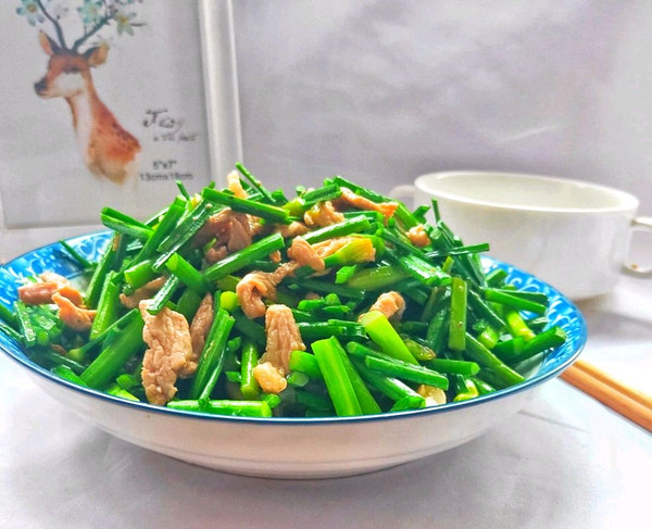 韭菜苔炒肉丝不仅简单好吃|成本才不到4块钱的做法