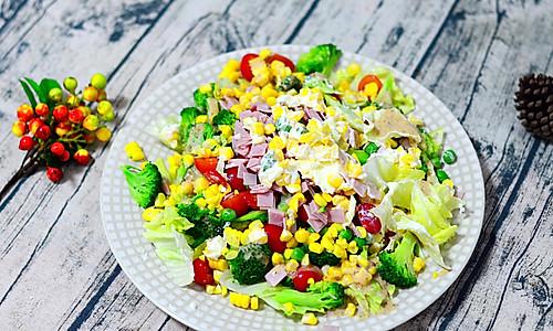 低脂双味田园蔬菜沙拉#春天不减肥,夏天肉堆堆#的做法