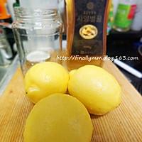 夏日健康减肥饮品:酿制新鲜柠檬蜂蜜茶的做法图解1