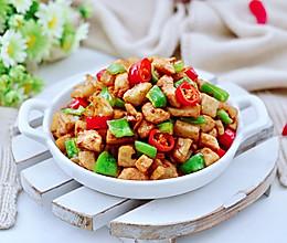 #下饭红烧菜#双椒鸡肉爆藕丁的做法