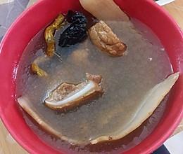 灵芝西洋参石斛汤的做法