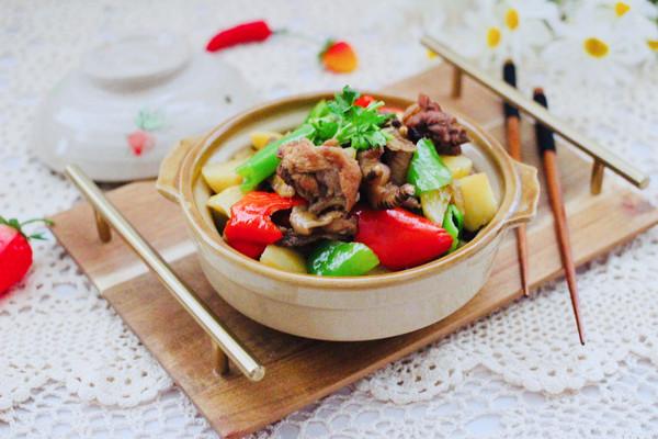 土鸡炖土豆的做法