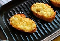 空气炸锅:蛋黄酱蒜香烤面包的做法