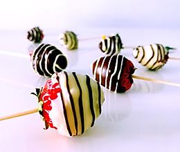 草莓、巧克力做个棒棒糖,旅行途中的治愈系的做法
