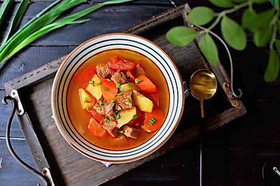 暖胃西红柿牛腩汤