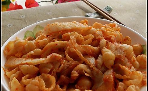辣白菜炒意大利面的做法