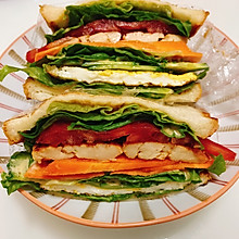 鸡胸肉三明治(附两种口味鸡胸肉腌制方法)