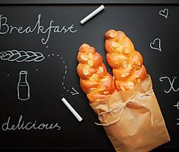 三股辫子面包的做法
