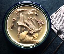 老火靓汤记—胡椒猪肚鸡汤的做法