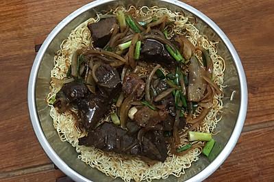 广东佛山传统面吃-牛腩煎面