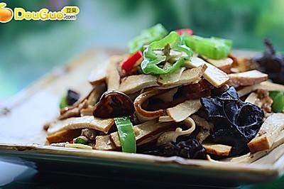 南京夏日下酒菜:青椒肉丝炒香干