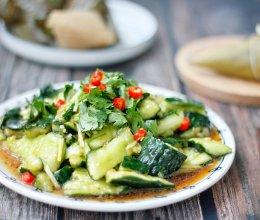 健康美味快手菜,酸爽脆口的刀拍黄瓜的做法