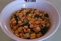 番茄玉米黄瓜拌的做法