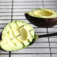 【牛油果沙拉】营养丰富。美容保健的做法图解5