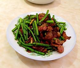 蒜苔炒香肠的做法