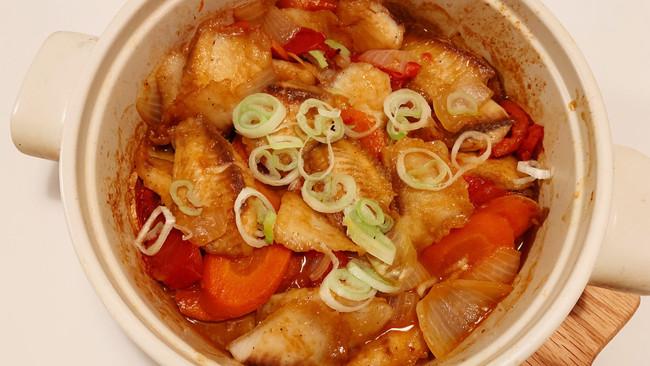 洋葱砂锅鱼煲 鱼柳超好吃的做法的做法
