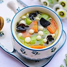 #晒出你的团圆大餐#丝瓜木耳菌菇汤