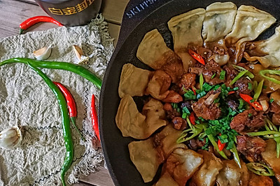 #秋天怎么吃#香菇栗子炖鸡贴油卷子
