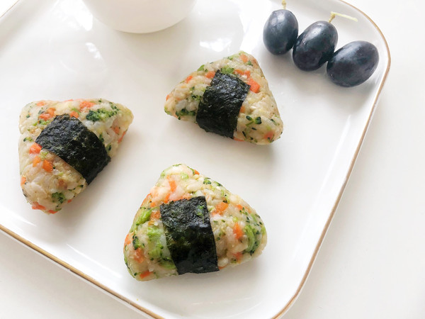 宝宝辅食·鲜虾土豆泥时蔬肉松饭团