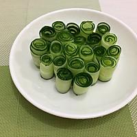 卷筒黄瓜的做法图解4