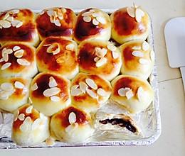 扁桃仁蜜红豆餐包的做法
