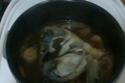 压胖头鱼头汤