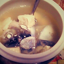 葱香豆腐炖鱼头鲜汤盅