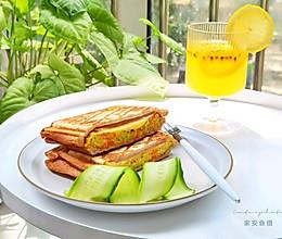 #全电厨王料理挑战赛热力开战!#万物皆可压的早餐机搞定三明治的做法
