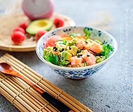 日式三文鱼牛油果拌饭的做法