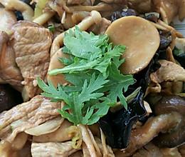 什锦菌类炒肉片的做法