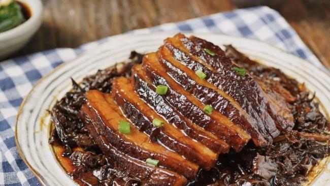 梅干菜扣肉(烧白)的做法
