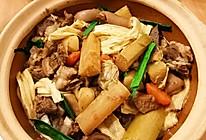 冬日的温暖--广式支竹羊肉煲的做法