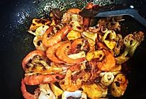 鱿鱼虾香锅的做法