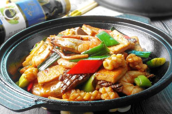 干锅海鲜脆豆腐的做法