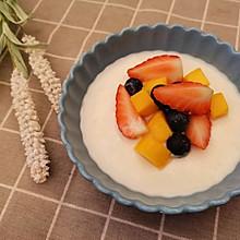 奶香味儿十足的双皮奶,嫩嫩滑滑,小宝宝也可以吃哦。