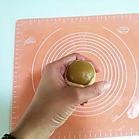 广式莲蓉蛋黄月饼的做法图解11