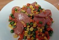 玉米红萝卜青豆子炒火腿肠的做法