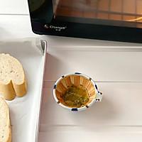 快手早餐-蒜香法棍的做法图解3