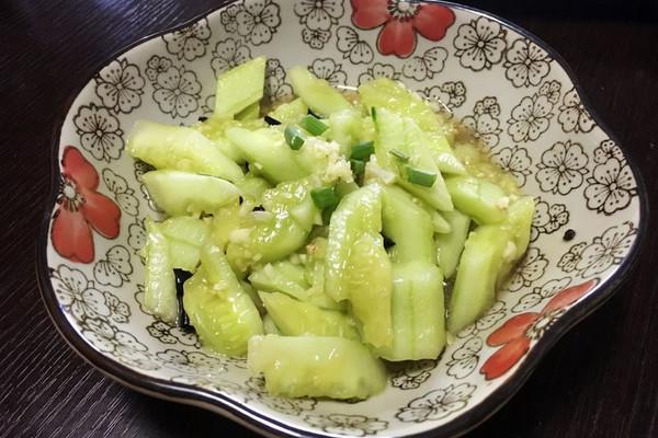 凉拌蒜香黄瓜的做法