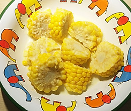 牛奶煮玉米的做法
