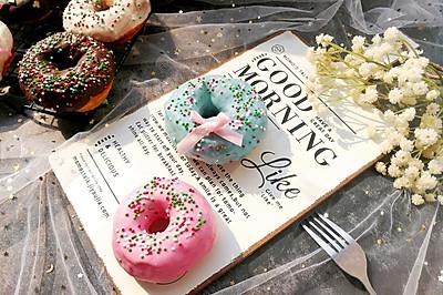 色彩斑斓的甜甜圈