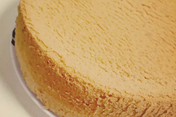 7寸戚风蛋糕(步骤稍作简化)的做法